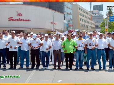 Desfile del 1° de Mayo en Acapulco