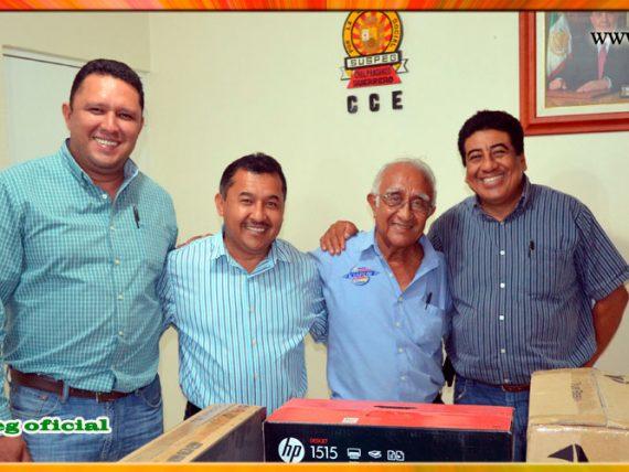 Entrega de equipo de computo a la Sección XXI de Acapulco.