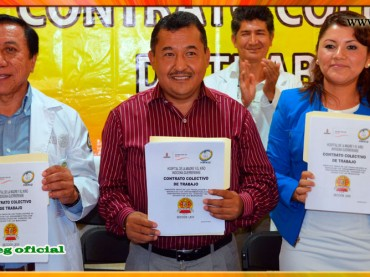 Firma del contrato colectivo del Hospital de la Madre y el Niño de Tlapa