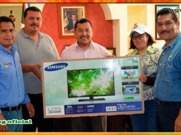 Entrega de apoyo a la Asociación de Cronistas Deportivos de Chilpancingo