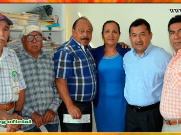 Entrega de estímulos a la jubilación a trabajadores de CICAEG