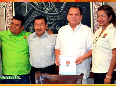 Entrega de Pliego Petitorio 2015 al Presidente Municipal de Acapulco