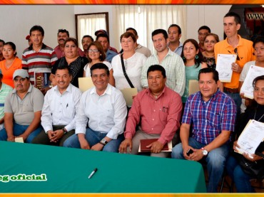 Entrega de Nombramientos de Base a trabajadores del Ayuntamiento de Chilpancingo