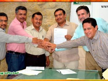 Firma de la Minuta de Acuerdos con el Secretario General de Gobierno