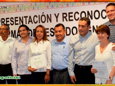 """Entrega de Reconocimientos a Docentes de las Escuelas Normales """"Ignacio Manuel Altamirano"""" y """"Vicente Guerrero"""""""