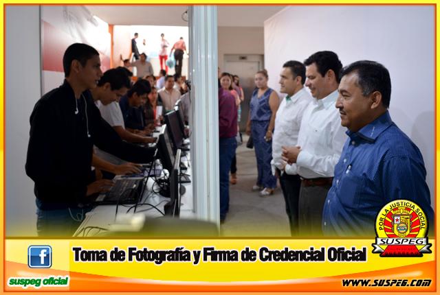 Toma-de-Fotografía-y-Firma-de-Credencial-Oficial-1