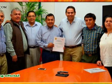 Entrega del Pliego Petitorio 2016 al Director General del DIF-Guerrero