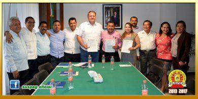 Entrega del Pliego Petitorio 2016 al Director General del ISSSPEG