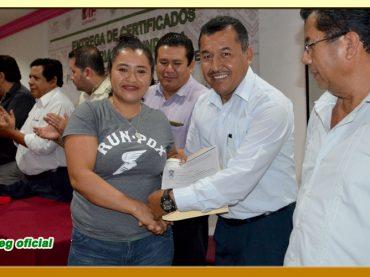 """Entrega de Certificados de Primaria y Secundaria, del """"Programa Especial de Certificación"""" del IEEJAG"""