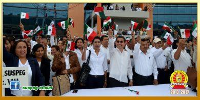 Honores e Izamiento de la Bandera Nacional en Palacio de Gobierno