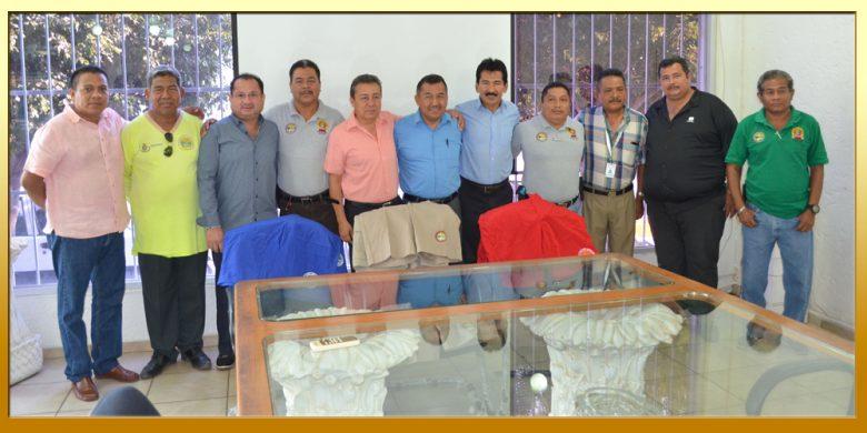 Entrega de Uniformes a Trabajadores de la Promotora de Playas.