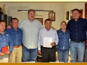 Entrega del Pliego Petitorio 2017 al Director General del ISSSPEG.