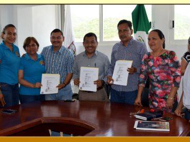 Firma de la Minuta de Acuerdos con el Presidente Municipal de Eduardo Neri.