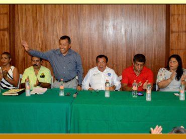 Entrega de Créditos del ISSSPEG a trabajadores de la Sección XXVII del SUSPEG.