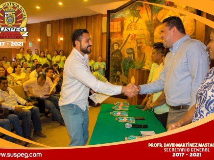 Entrega 63 nombramientos de base el Secretario General del Sindicato Único de Servidores Públicos del Estado de Guerrero